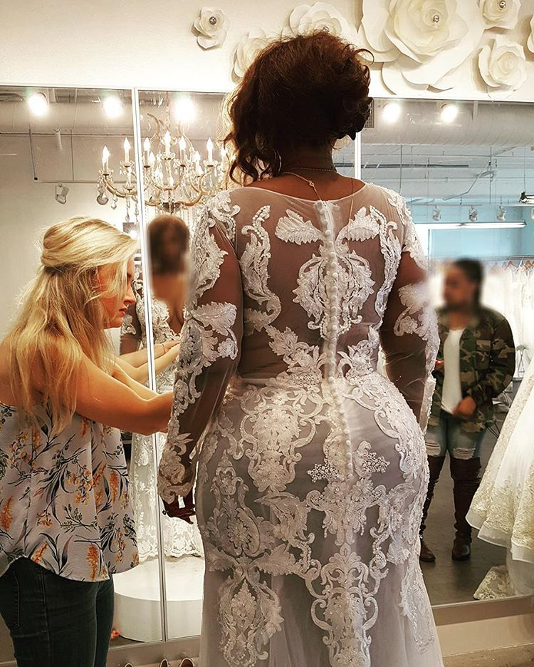 Wedding Gowns Houston Tx: Selecting The Right Plus Size Wedding Dress